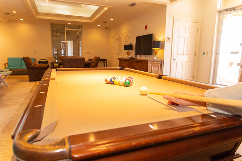 La Riva Pool Table