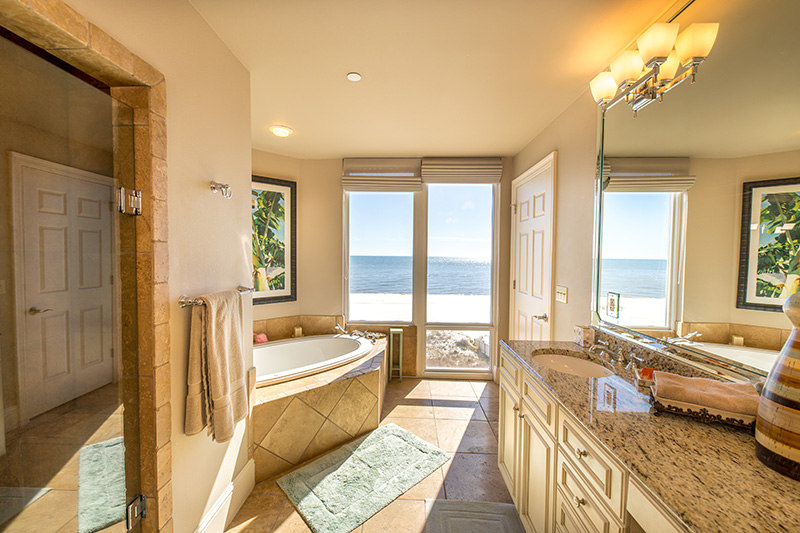 La Riva 3W Master Bathroom